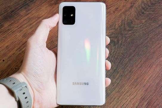 Samsung Galaxy A51 image 2