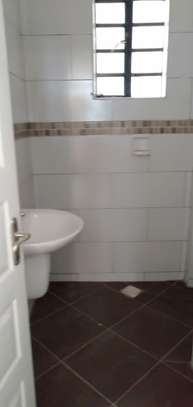 2 bedroom apartment for rent in Mombasa Road image 4