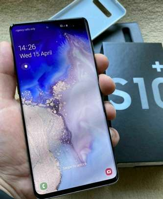 Samsung Galaxy S10 Plus 1Terabyte and Gear Vr image 1