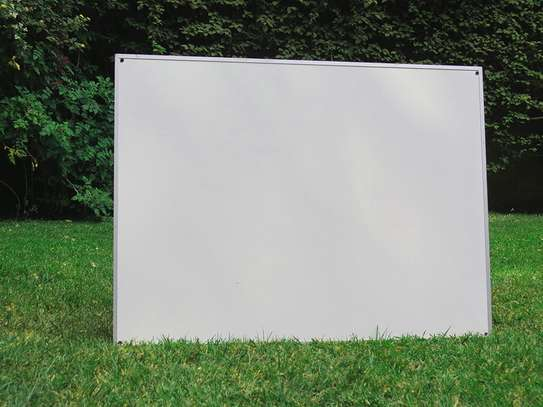 HUGE HEAVY DUTY MAGNETIC WHITEBOARD / GRAPH BOARD