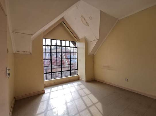 4 bedroom townhouse for rent in Mountain View image 3