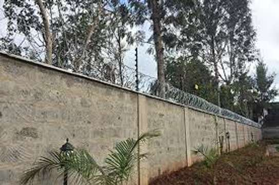 Electric fence for securty. in kenya image 1