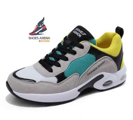 Casual sport shoes image 4