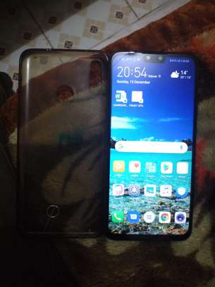 Used smartphone, looks new, no scratches, all accessories available. image 2