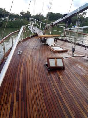yacht for sale image 12