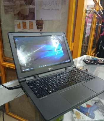 New Laptop Dell Latitude 3180 4GB Intel SSHD (Hybrid) 320GB image 1