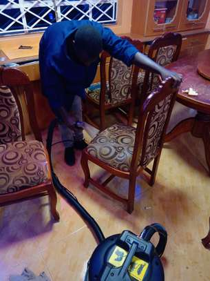 AUTO  INTERIOR CLEANING SERVICES image 3