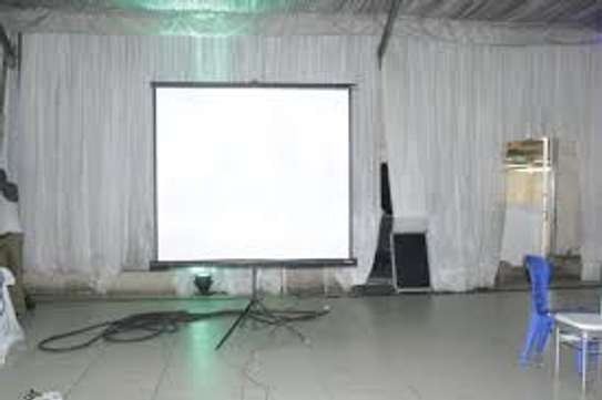 Tripod/Portable 96 Inch by 96 Inch Projection Screen