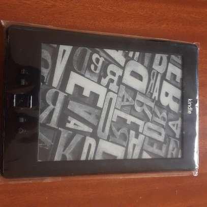 Kindle 4 e-reader image 1