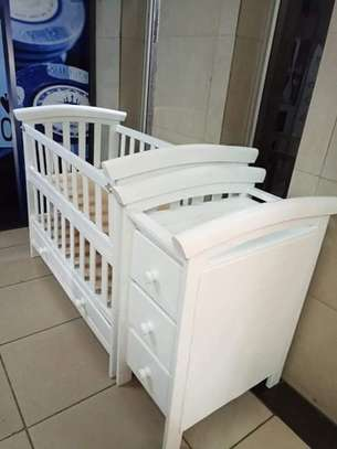 Baby Crib with Chest Drawers image 2