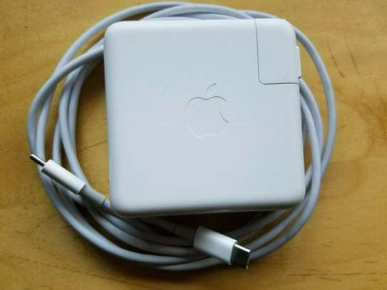 Apple A1719 87W USB-C Power Adapter image 1