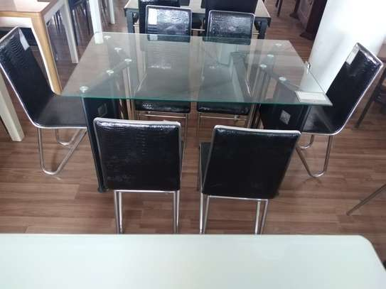 6 Seaters dining table. image 1