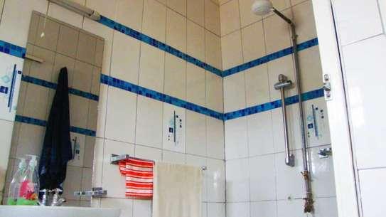 On sale; An elegant 7 bedroom maisonette in Ongata Rongai image 13