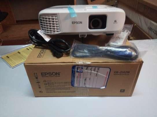 Wxga EPSON Eb 2142W Projector image 1