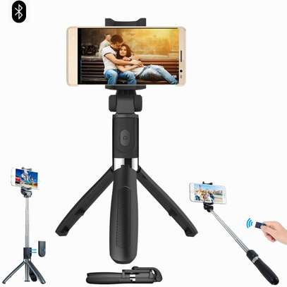 K05 Selfie Stick Tripod Stand 4 in 1 Extendable Monopod Bluetooth Remote Phone Mount for iPhone X 8 Android Gopro image 1