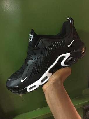 TN sneaker image 1