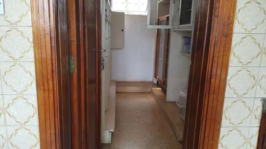 commercial property for rent in Rhapta Road image 14