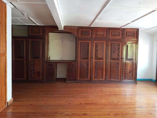 237 m² office for rent in Kilimani image 6