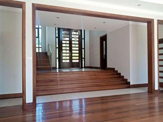 Karen - House image 6