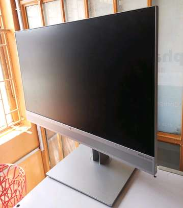 HP EliteDisplay E243m 24 Inch LED monitor