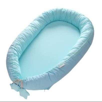 baby co-sleeper/ baby nest/sleep positioners image 2