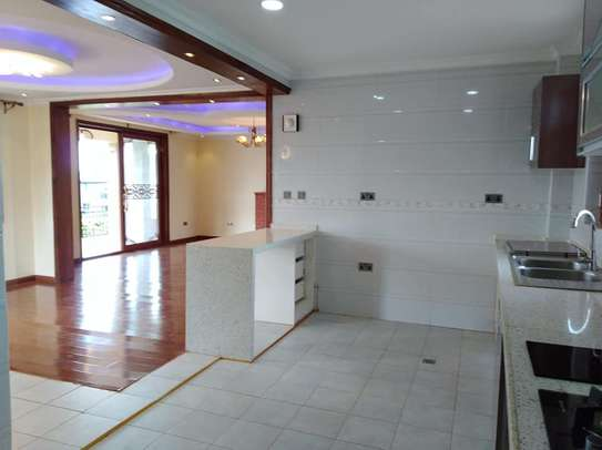 4 bedrooms mansion to let image 4