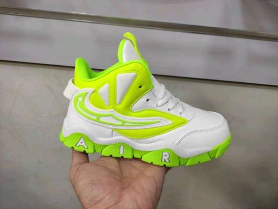 Nike Air max shoes image 3