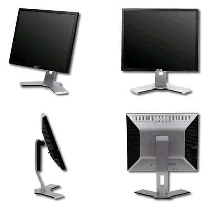 "19"" Dell Monitor Square type. image 1"