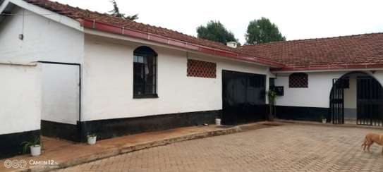 5 bedroom house for rent in Loresho image 11