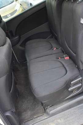Mazda Biante image 9