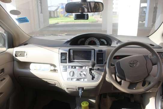Toyota Raum 2010 image 3