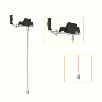 Special handle lightweight walking forearm crutch