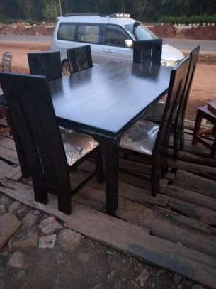 Quality six seater dinning table