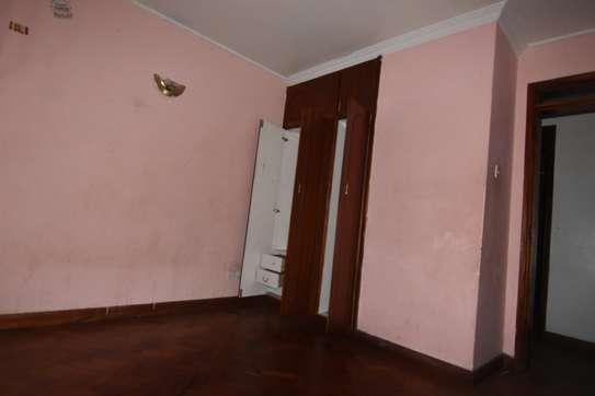 4 bedroom apartment for rent in Kilimani image 10