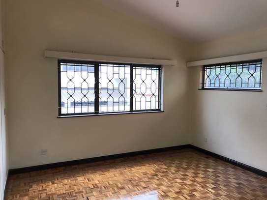 5 bedroom townhouse for rent in Rhapta Road image 18