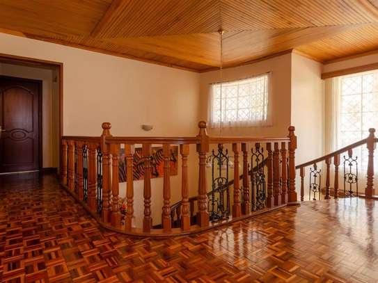 Runda - House image 9