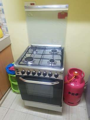 Ramtons 4 Gas 50X55 Cooker plus full 13kg cylinder