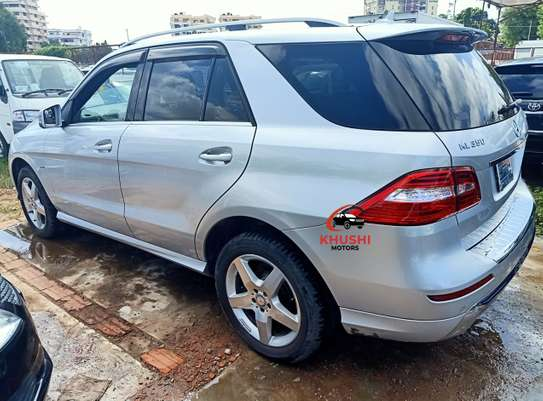 Mercedes-Benz ML350 image 3