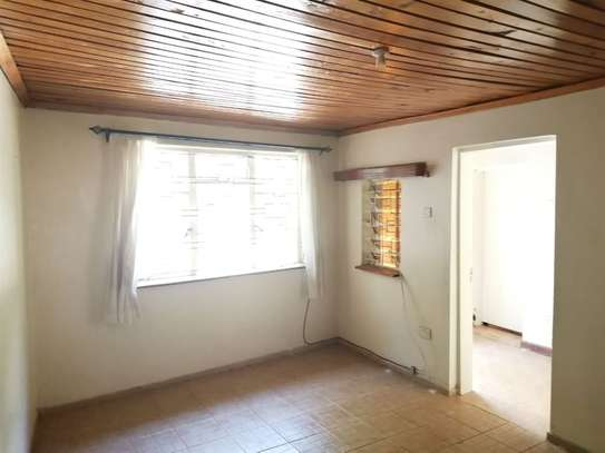 Lavington - Studio, Flat & Apartment image 8