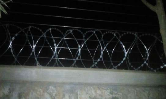 electric fence Installation in kenya & Razor wire supply and installation in Kenya,Electric Fence & Razor Wire Supply and Installation in kenya Materials services image 9