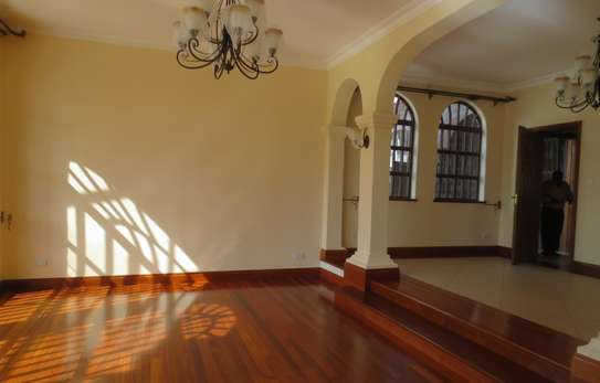 5 bedroom house for rent in Thigiri image 4
