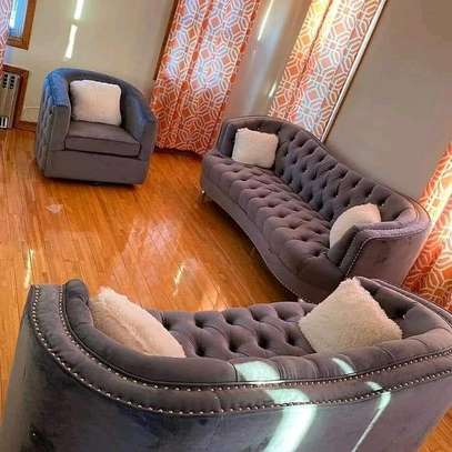 6 seater Chesterfield sofa image 1