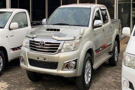 Toyota Hilux image 2