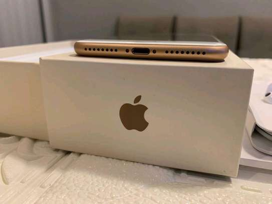 Apple Iphone 8 Plus The 256 Gigabytes Gold Colour image 3