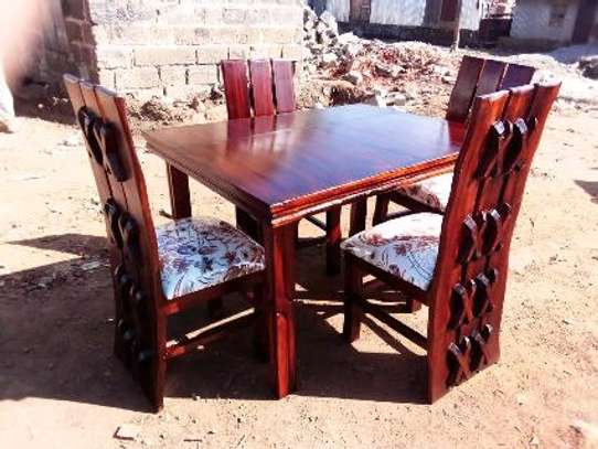 Dinning table image 1