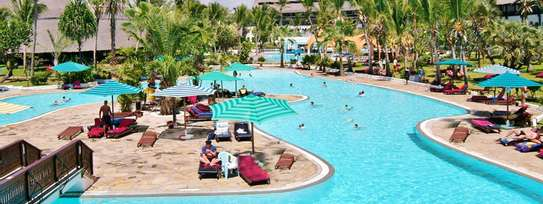 Southern Palm Beach Resort image 2