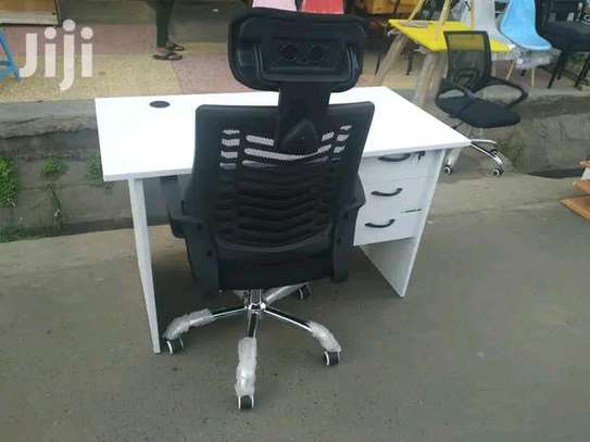 White office table with storage drawers plus a good quality Headrest chair image 1