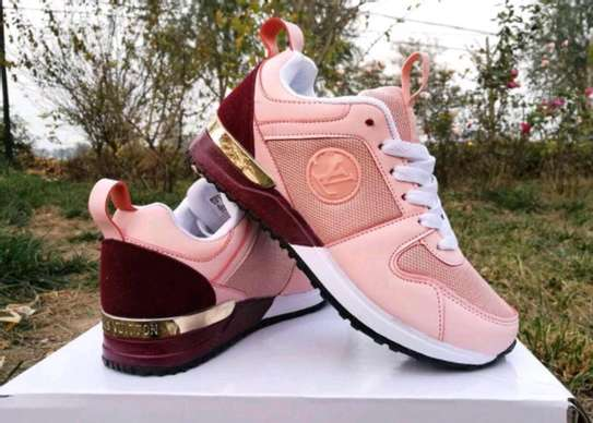 loise vuiton sneakers image 2
