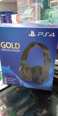 Playstation Gold Wireless Headset image 1