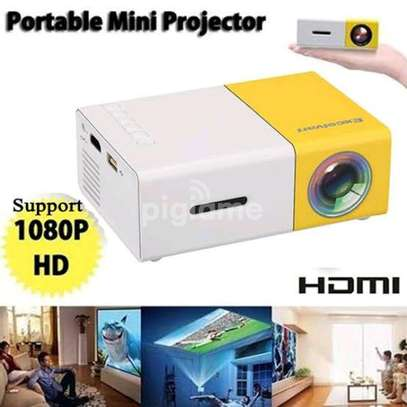 mini projector image 1